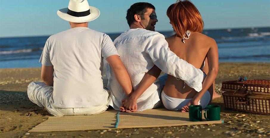 Почему жены изменяют мужьям в счастливом браке
